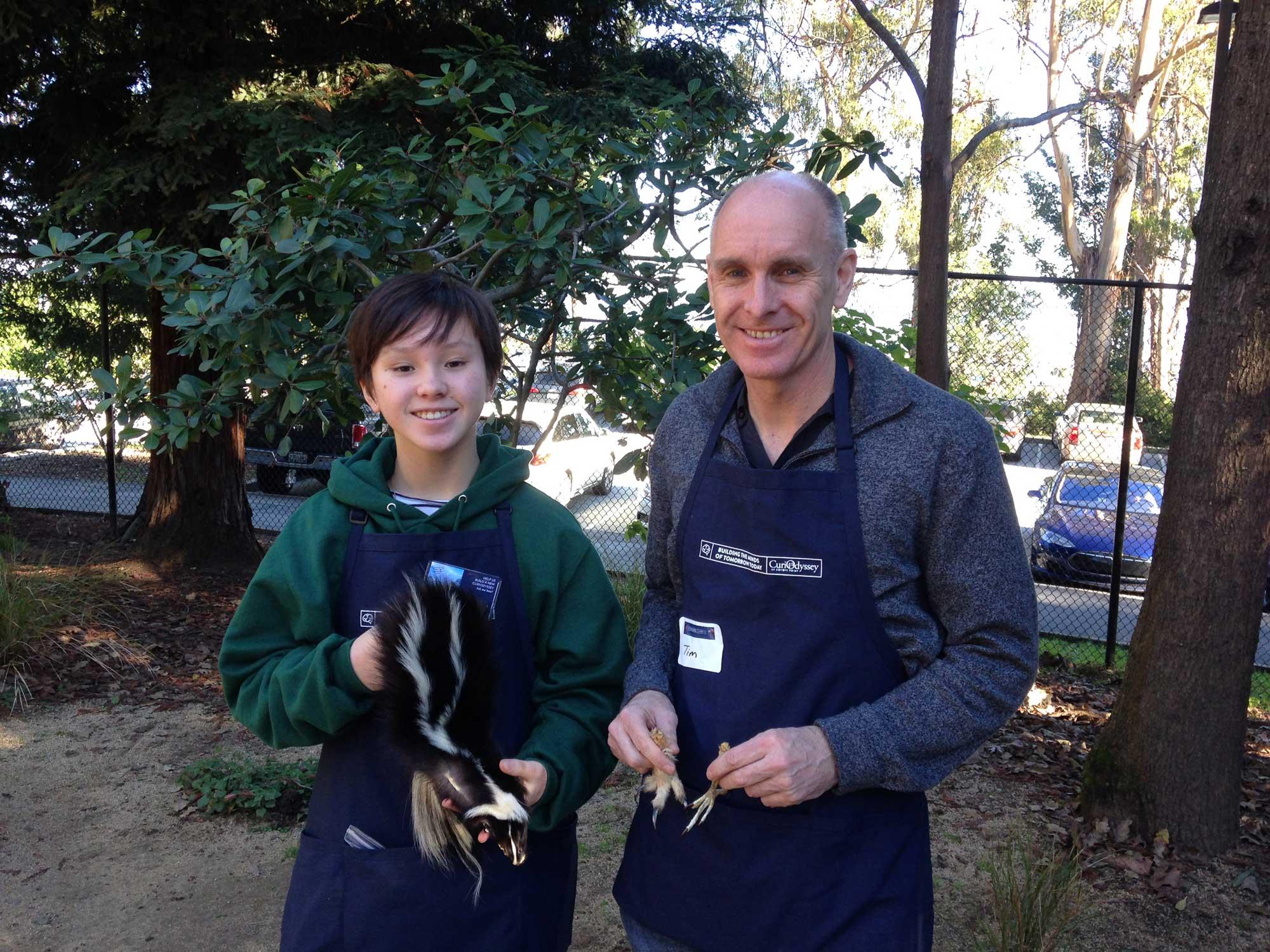 Volunteers Juliette and Tim